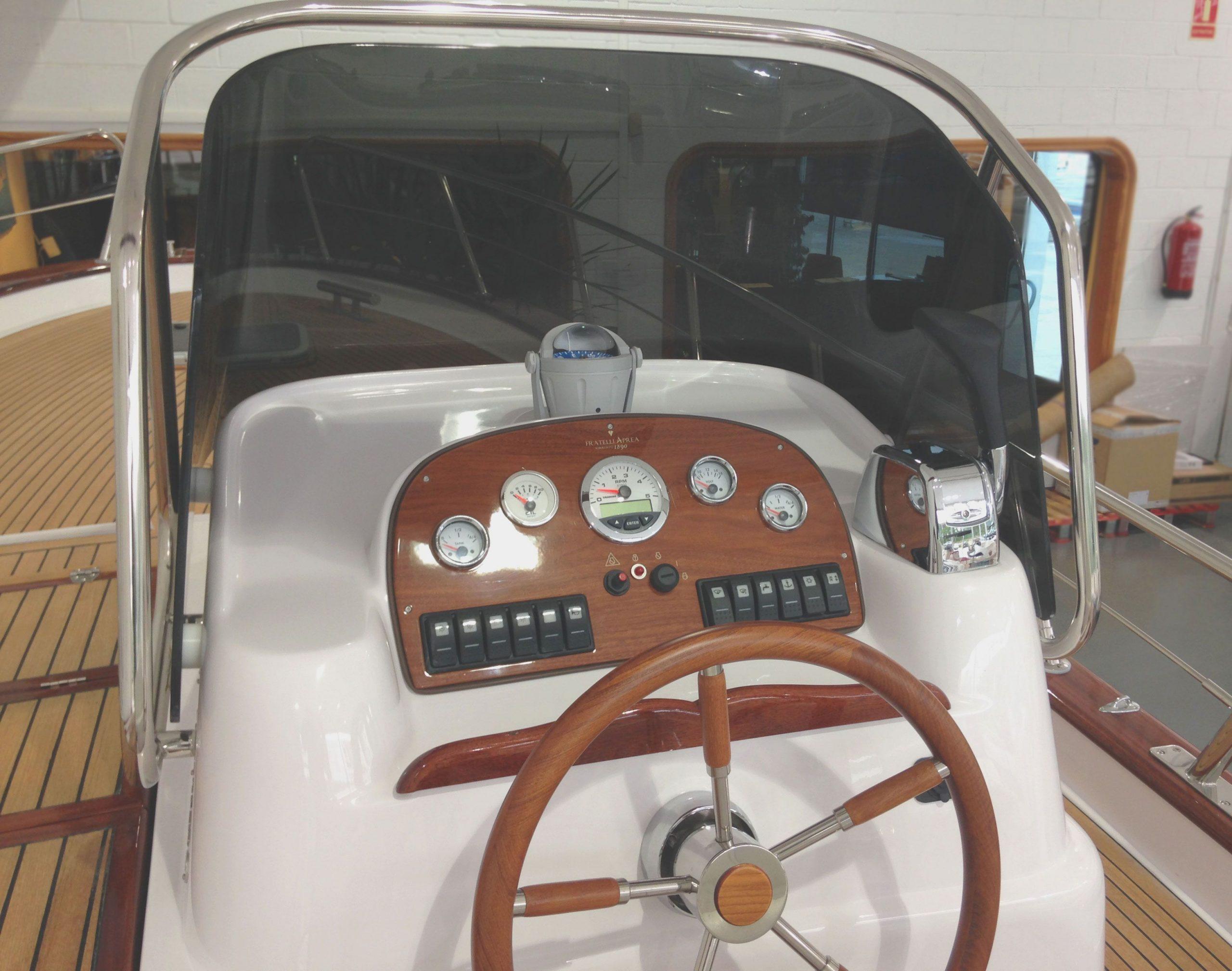 frattelli-aprea-750-open-cruise-02